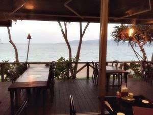 喜瀬ビーチパレス、浜辺の居酒屋「ちんぼーら」