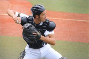 岡田健史 高校 野球部