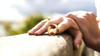 豊原功補がヤバい!嫁との離婚原因は小泉今日子との結婚を意味する?