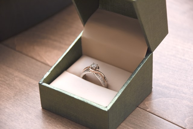 ガッキーの指輪ブランドはどこ?売ってる場所や値段も紹介!